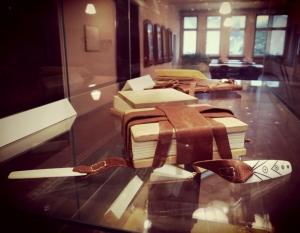Unikali galimybė susipažinti su knygos anatomija I–XVI a. knygų įrišų (re)konstrukcijų parodoje